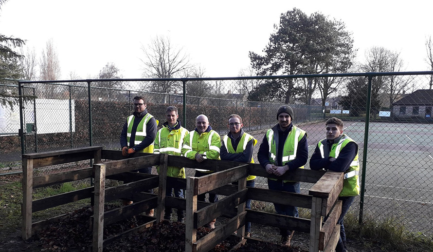 VINCI Construction UK SOMAD team help in Rowntree Park