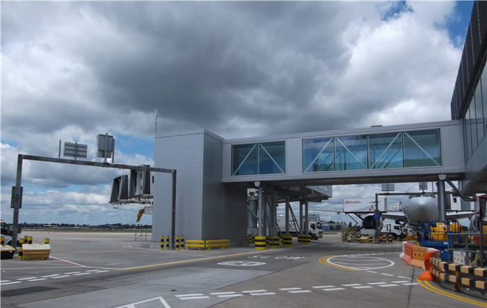Pier 5 Stand and Link handed over to Heathrow Terminal 3